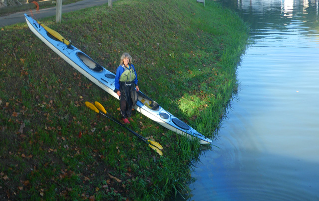 Garonne, france, Tandem DoubleShot kayak ready to launch